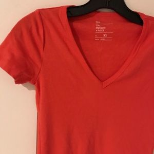 Gap size XS orange/coral tee